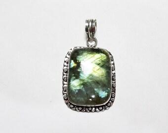 Labradorite Pendant, Blue Green Flash Labradorite Gemstone Pendant, Sterling Silver Pendant, Labradorite Necklace, Labradorite Jewelry