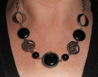 Black statement necklace, funky jewelry, onyx necklace, silver link necklace, black stone necklace, unique necklaces for women, gift for her