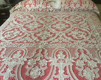 Beautiful old ' 60 double bedspread