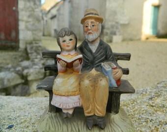 """Statuette decoration """" Le grand- pére et sa petite fille """""""