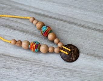 Coconut pendant Crochet Nursing Necklace, Breastfeeding sensory baby chew beads, Rainbow nursing necklace
