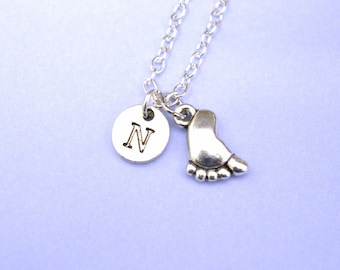 Personalized Baby Foot Necklace, baby foot print necklace, baby footprint necklace, baby feet necklace, engraved necklace, new mom