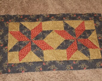 Table runner and 4 placemats