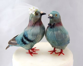 Pigeon Cake Topper: Bride & Groom Love Bird Wedding Cake Topper