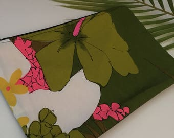 Handmade in Hawaii // Clutch // Beach Clutch // Make Up Clutch // Vintage With Yellow //#021