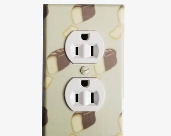 Kitchen wall decor - Bread Light switch cover - Kitchen decor - Restaurant decor - Bakery decor - Baker gift - Breakfast nook decor - Dining