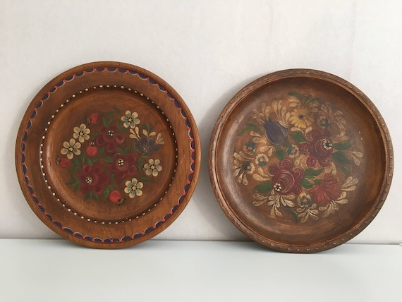 & Wooden wall plates set 2 wooden plates Vintage wooden