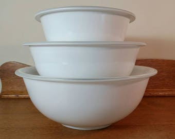 Set of 3 PYREX White Glass Mixing Bowls - 1L, 1.5L, 2.5L