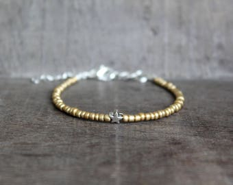 Gold Seed Bead Bracelet with Silver Star Minimal Friendship Bracelet