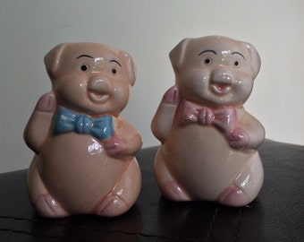 Novelty Salt and Pepper Shakers // Pigs Decor // Vintage Shakers