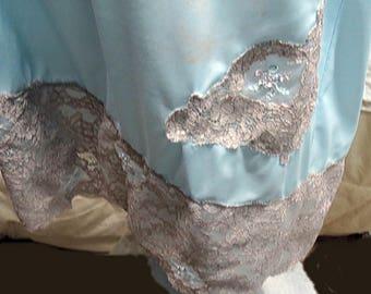 Vintage Blue Nylon Half Slip Medium #589