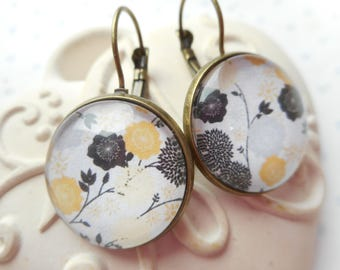Earrings vintage flowers, white, yellow, black, optional gift box