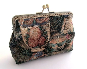 Tapestry frame clutch, gobelin fabric frame purse, vintage style frame bag, bronze purse frame, romantic purse, makeup bag, kiss lock clasp