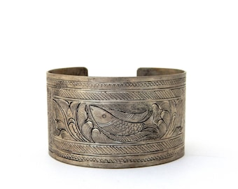 Vintage Wide Cuff Silver Bracelet Etched Engraved Fish, Wide Silver Bracelet Boho Tribal, Estate Jewelry