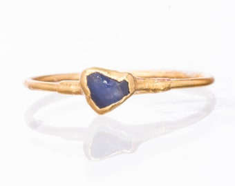 Mini Raw Sapphire Ring, Gold Ring, Delicate Ring, Sapphire Engagement Ring, Dainty Ring, Raw Crystal Ring, Raw Stone, September Birthstone