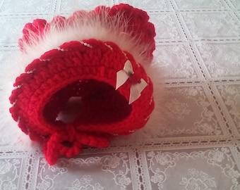 Baby girl bonnet ,Christmas bonnet, girl bonnet, baby bonnet, baby Christmas bonnet, girl Christmas bonnet ,6-12 month's bonnet