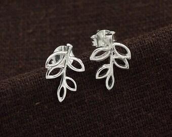 1 pair of 925 Sterling Silver Leaf Branch Stud Earrings 8.5x12mm.  :er0979