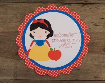 Snow White Party - Personalized Party Sign by The Birthday House