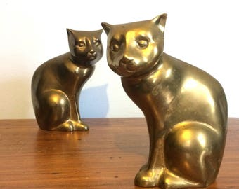 Vintage Brass Cat Figurines or Bookends / Metal Cat Sculptures / Cat Home Decor