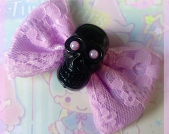 Black Skull Laced Bow