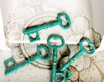 Handpainted Verdigris Patina Double Sided Skeleton Key Metal Charms (18033) - 34x11 mm
