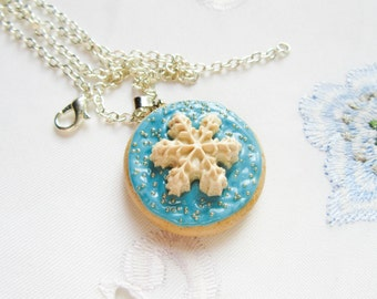 Snowflake Sugar Cookie Necklace, Polymer Clay, Christmas, Winter, Cookie, Necklace, Food Necklace, Jewelry, Winter Gift