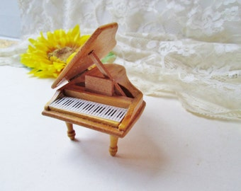 Dollhouse Piano Vintage Doll House Piano Fairy Garden Furniture Wood Grand Piano w HInged LIft Top Miniature Instrument Toy Dollhouse Decor