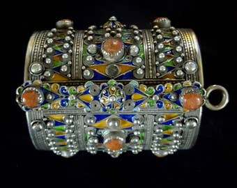 Morocco – beautiful AMAZIGH Solid silver Berber Bracelet /Cuff with enamels & Coral