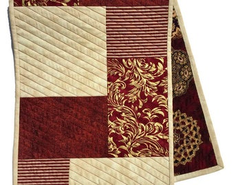 Quilted Table Runner Maroon and Beige, Medallion Reversible Maroon Table Cloth, Maroon Bureau Scarf, Maroon Table Decor, Quiltsy Handmade