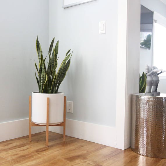 large mid century modern planter with wood planter stand. Black Bedroom Furniture Sets. Home Design Ideas
