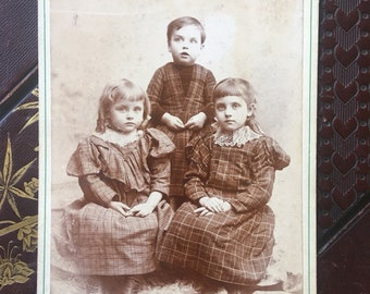 Antique Cabinet Card - Photo of a 3 Children - Victorian/Edwardian - 1800s (19th Century)