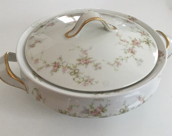 Antique Limoges Round Covered Vegetable Dish in Schleiger 161c by Theodore Haviland