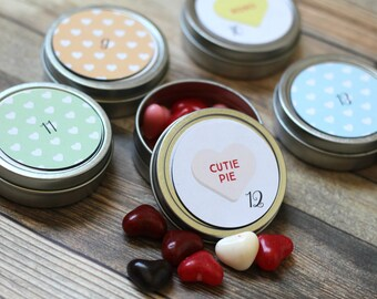 Reusable Magnetic Valentine's Advent Tins / Hearts / 14 Valentine's Count Down Calendar / Valentine's Day Decorations / Advent Calendar