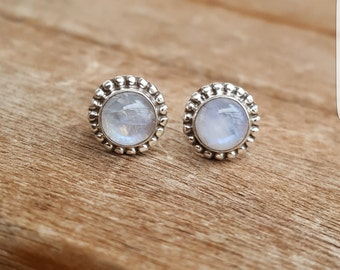 Silver earrings with Moonstone