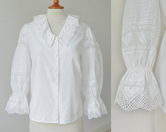 White Vintage Blouse With Lace // Hearts // Roseblusen