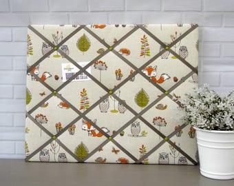 Wildlife memo board, fabric notice board, bulletin board, fox and owls fabric, 40 x 50 cm, handmade
