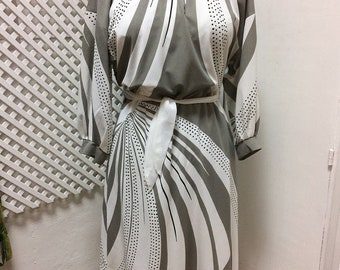 Vintage 80s Kaftan Grey Dress