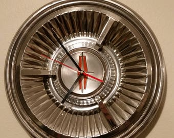 Classic Lincoln Hubcap Clock