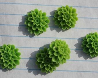 10 MEDIUM DAHLIA Cabochons - 15mm - Grass Green Color