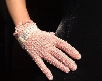 Palepink beaded wrist glove, vintage style evening gloves, frilly pink gant, pink formal gloves, black dress gloves, pink wedding accessory