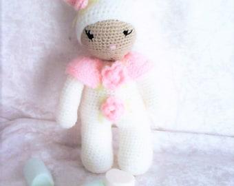 Bunny, mini blanket, wool, hand made.