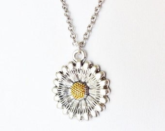 Flower Necklace, Floral Necklace, Daisy Necklace, Nature Inspired Jewelry, Gifts for Her, Anniversary Gift, Mothers Day Gift, Birthday Gift