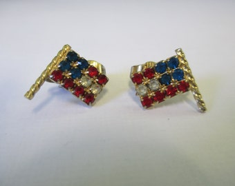 Vintage Jewelry American flag red white and blue rhinestone  clip on earring jewelry