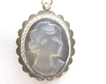 Vintage Cameo Pendant Silver Mexico from AllieEtCie