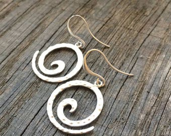 Rhodium plated hammered swirl earrings