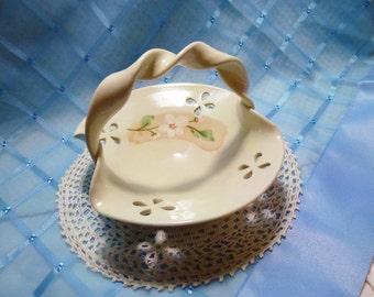 Vintage Lyrebird Ridge Pottery Basket