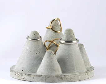 Mountain Concrete Ring Holder
