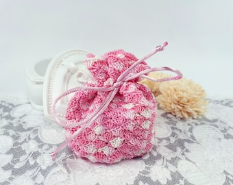 Pink crochet travel pouch, jewelry storage bag, pink textile favor bag, crochet coins bag, wedding gift bag, pink fabric jewelry pouch