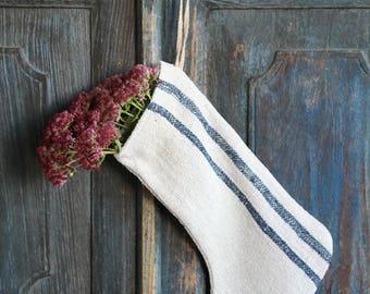 D 243: handmade, linen, antique, charming, CHRISTMAS STOCKING, vintage ,리넨, decoration;
