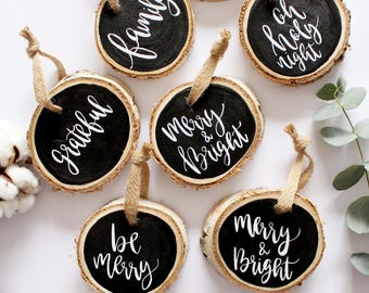 Tranche de bois personnalisé ornement alphabétiques peint rustique Noël bois maison à la main décor Noël fête cadeau calligraphie moderne Type